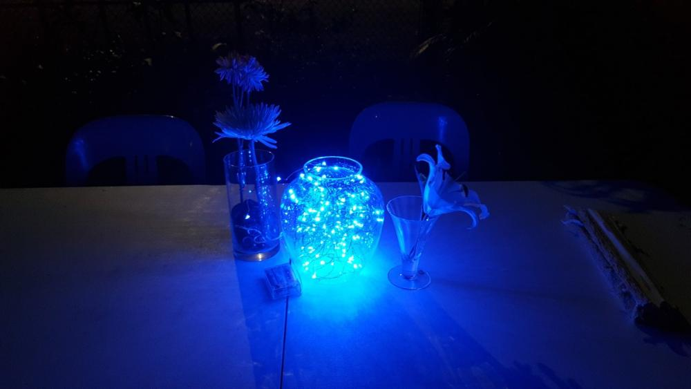 Blue centrepiece for the one of the extra tables