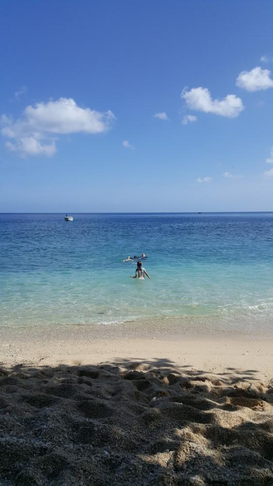 jj-and-kids-swimming-at-flying-fish-cove-christmas-island
