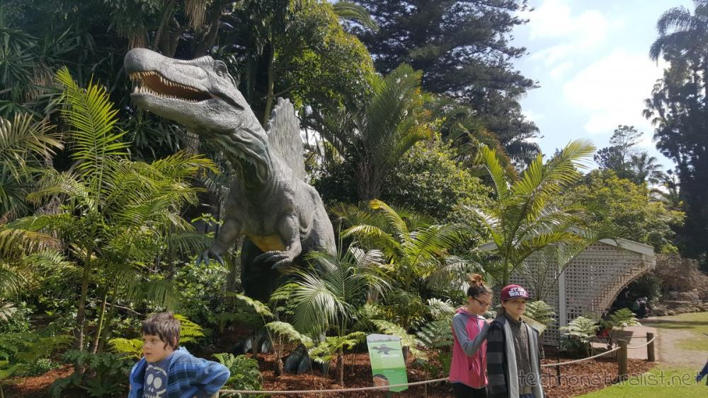 11yo-writing-on-13yo-perth-zoo