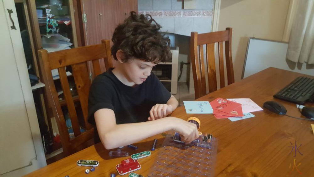 13yo-playing-with-snap-circuits