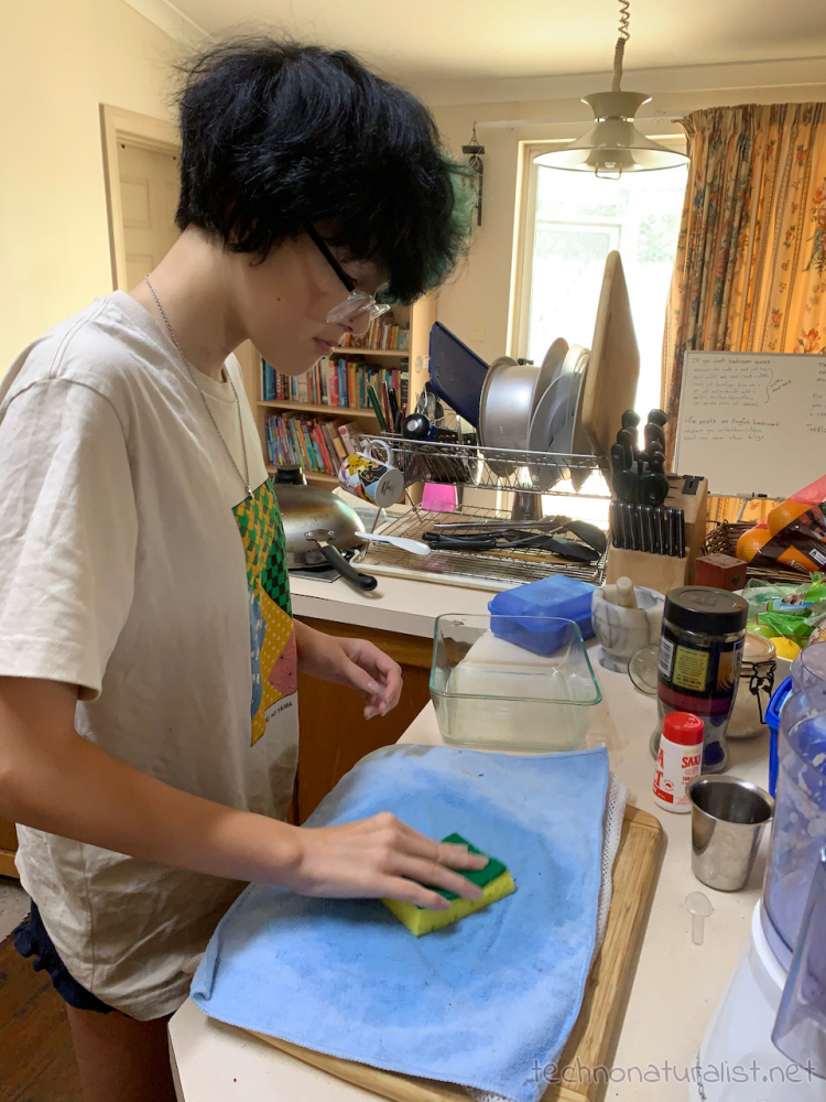 14yo-paper-making-04