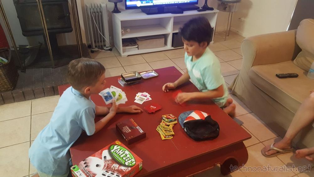 8yo-6yo-playing-exploding-kittens