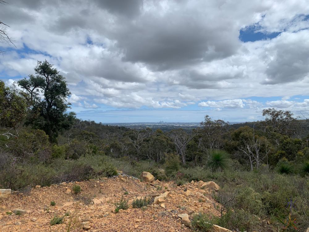 hiking in Banyowla National Park, Western Australia